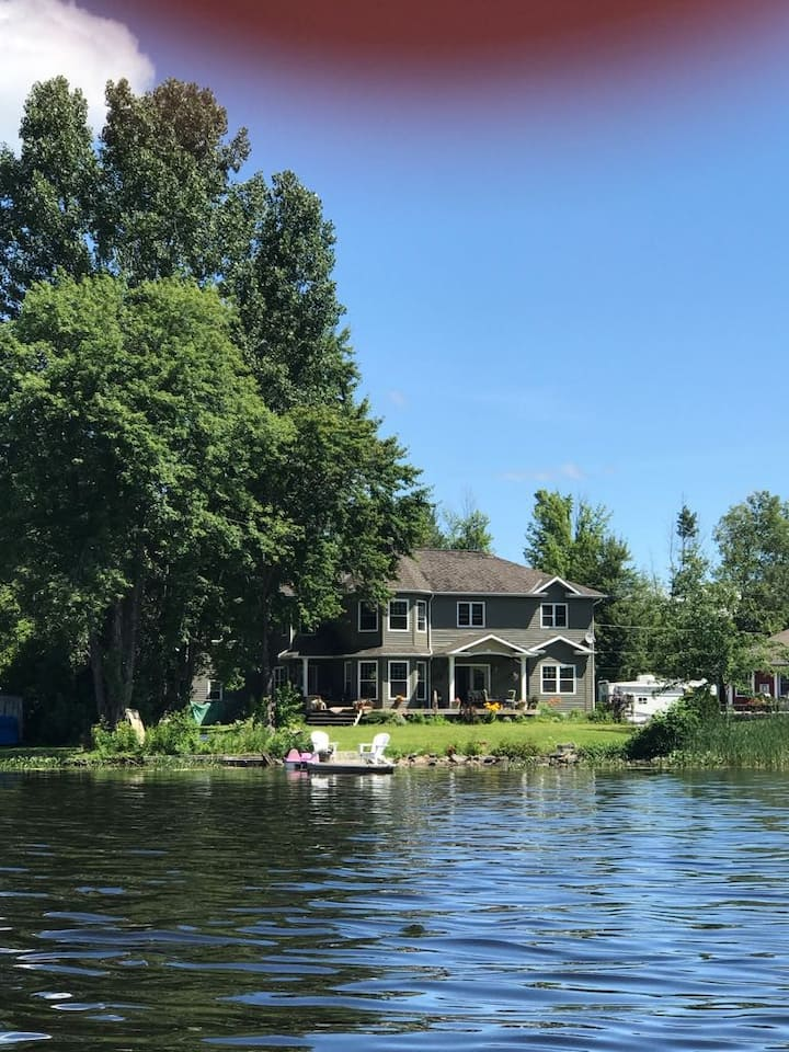 The Lake House on Callander Bay