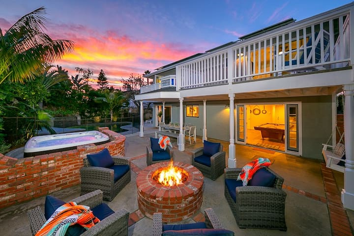25% OFF AUG - Incredible Home+Amenities, .9 Miles to BEACH+Walk to All