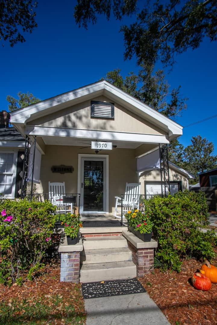 Simple & Sweet, 5 minutes from downtown Pensacola!