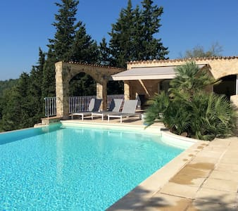 Beautiful private house, large grounds and pool - Talo
