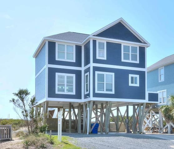 Pier Pressure-Oceanfront & Private Pool