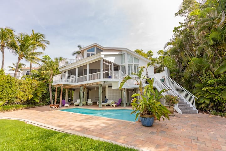 BEACHFRONT TREASURE - SANIBEL LUXURY BEACHFRONT ESTATE