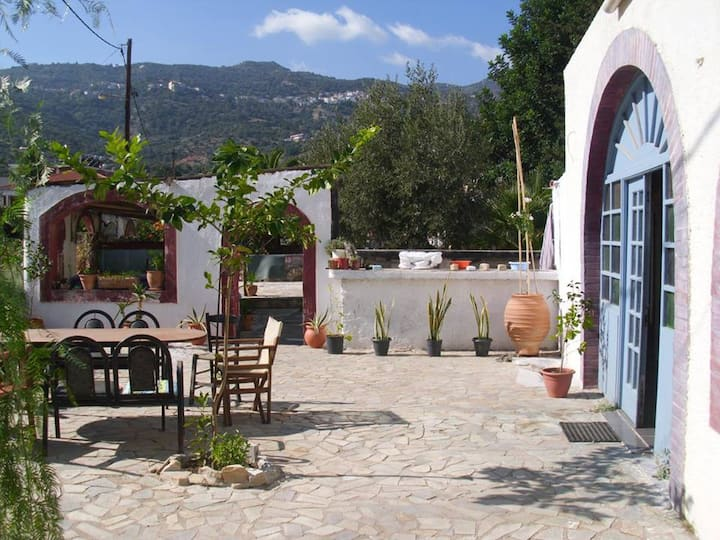 Gabriella's Garden - Cretan Style Rooms
