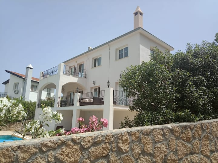 Stunning Detached Villa With Sea And Mountain View