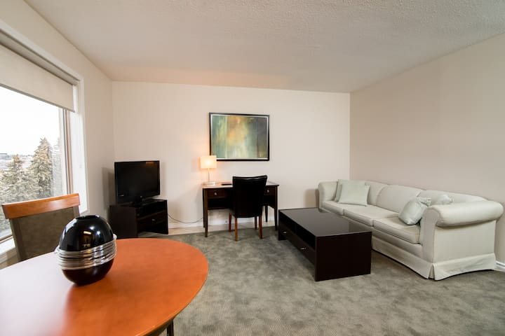 Comfy 1-Bedroom Suite / Downtown / Pool / Gym - Saskatoon - Apartemen