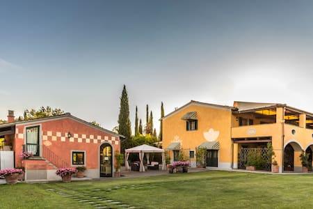 Timo - Leccio, sleeps 4 guests in Monterappoli - Empoli - Daire