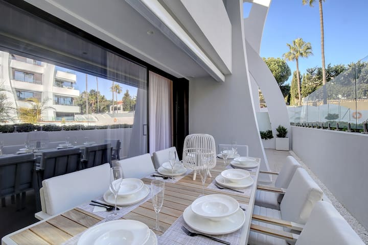 New apartment with large terrace near the beach