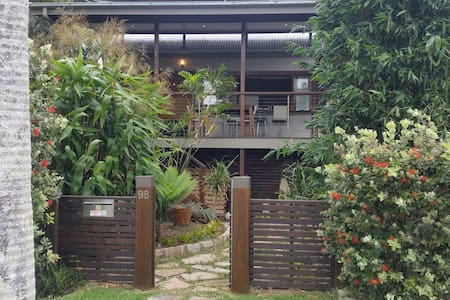 Bayside Boutique Cottage - Nudgee Beach - House