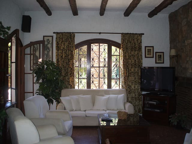 Quiet House, delightful and confort with free wifi