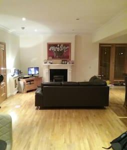 Penthouse Apartment in Leafy Suburb - Castleknock - Appartamento