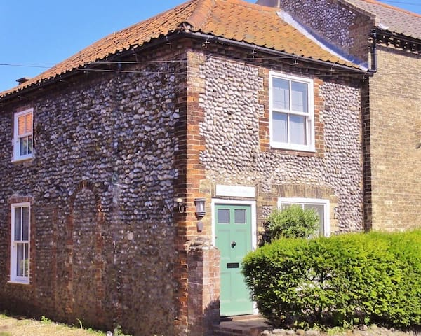 Woodbine Cottage - Ideal for Two - Cley next the Sea - Hus