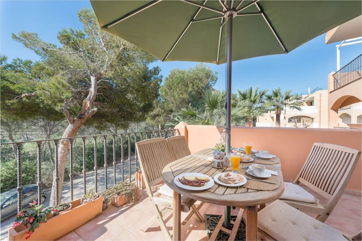 BURGIT - Modern apartment located 80 metres from the paradisaical cove of Cala Barca Trencada