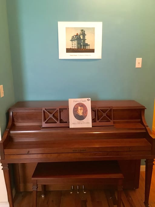 Chopin anyone? Feel free to play some piano :)