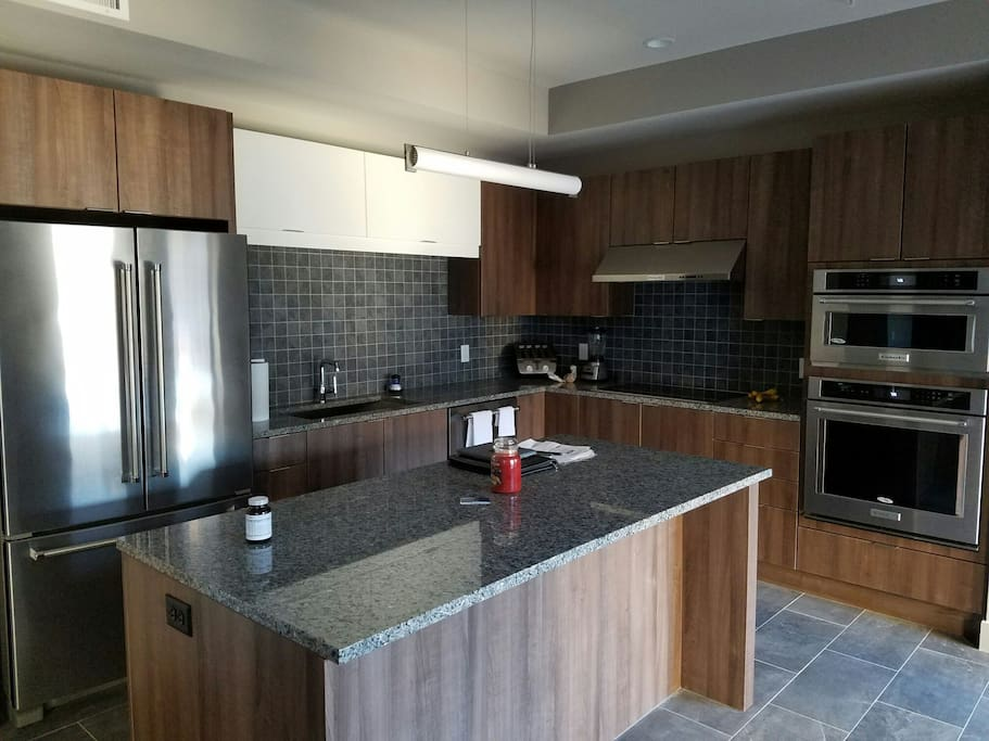 Beautiful modernized kitchen with all brand new and updated appliances.