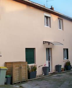 Maison de ville F3 dans la plaine de Versailles - Fontenay-le-Fleury - Rivitalo