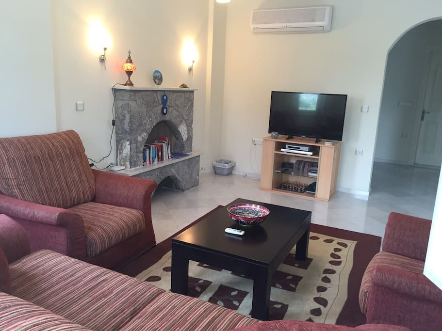 Large living area with wifi and satellite television plus DVD player
