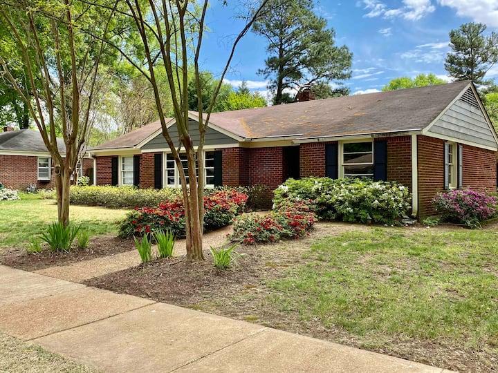 Charming 3 Bedroom, 2 Bathroom East Memphis Home!