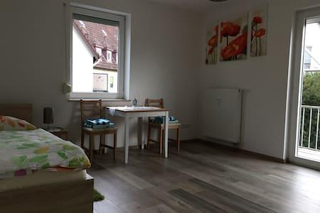 Neu Renovierte Wohnung - Herford - Appartamento