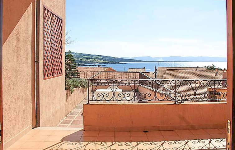 Holiday apartment with 1 bedroom on 50m² in Isola Rossa