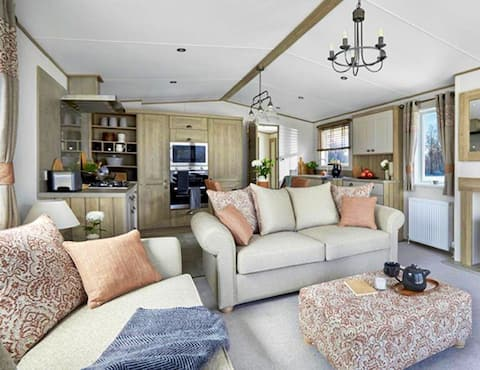 Cosy 'Deer Glade' lodge in The New Forest