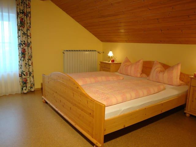 Gästehaus Baumgartner (Bad Birnbach), Ferienwohnung II - 75qm in schöner, ruhiger Lage