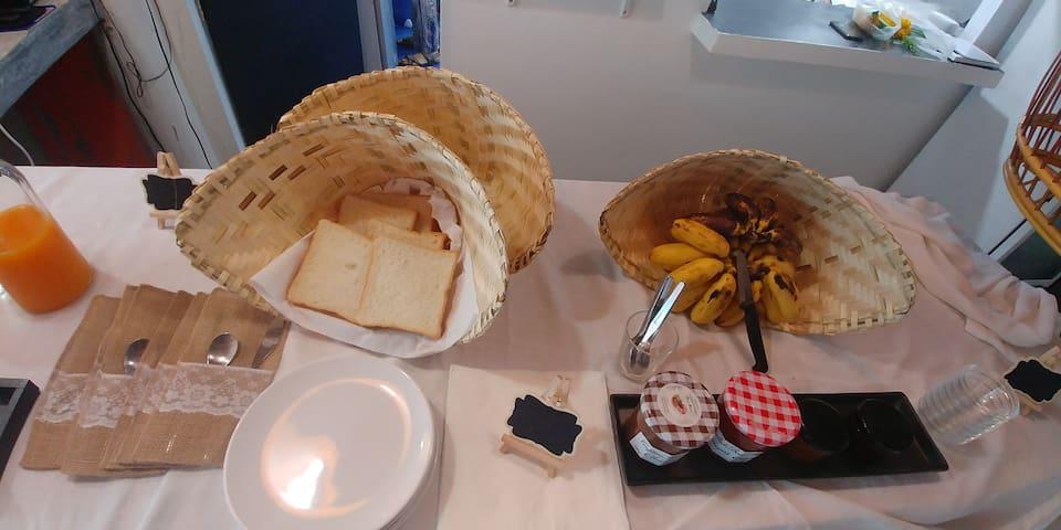 Le petit déjeuner buffet, détail