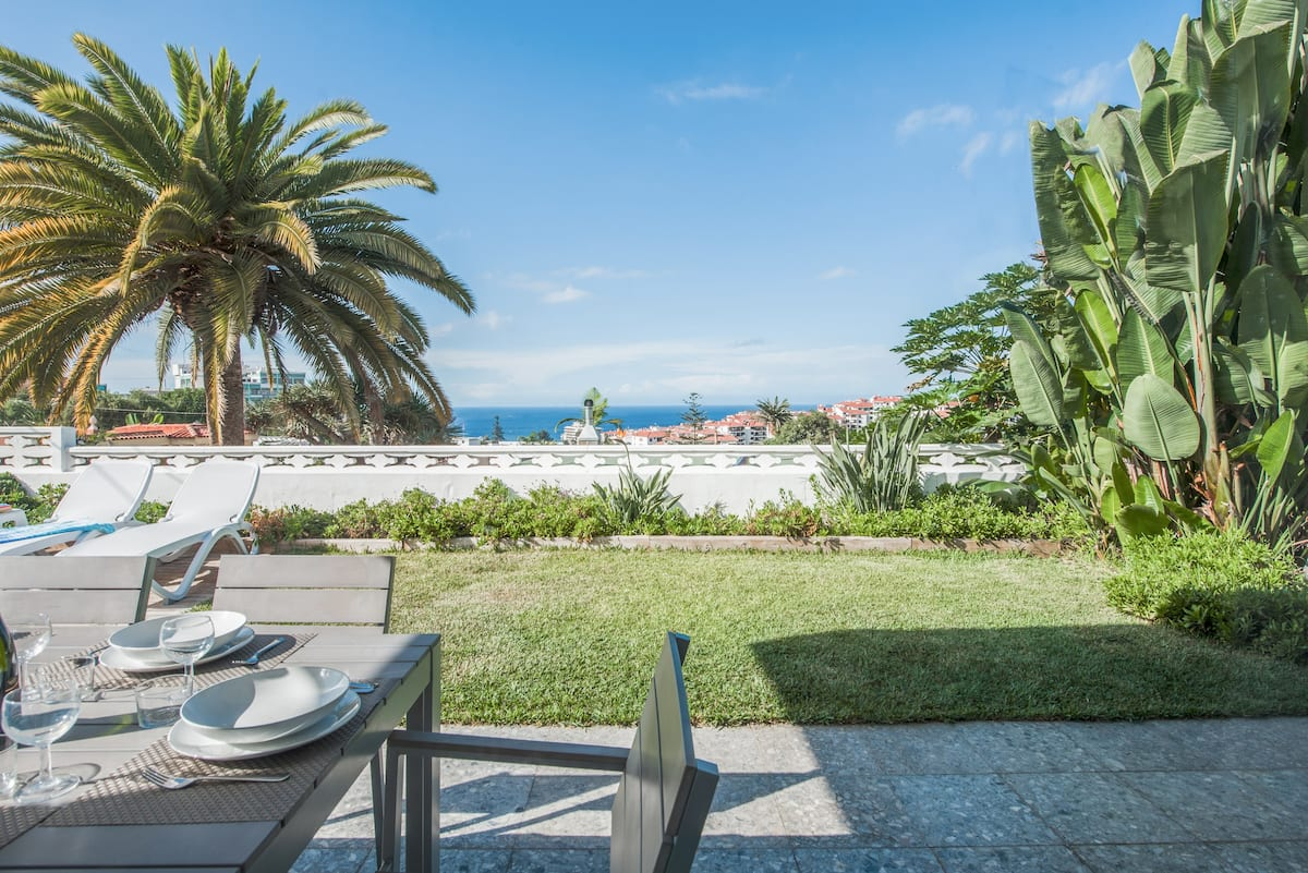 Villa Puerto Views with Private Pool Close to Central Puerto de la Cruz
