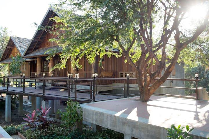 Boutique Villa@ Hangdong Chiang Mai - Hangdong  - Huis