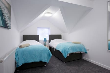 Luxury Apartment 4, Leeds. FREE Parking FREE WIFI - Kippax - Lejlighed