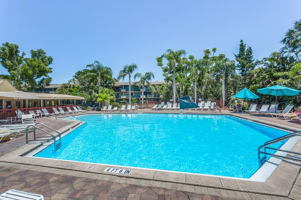 Spacious Family Friendly Condo W Shared Pool Tennis Basketball Houses For Rent In Naples