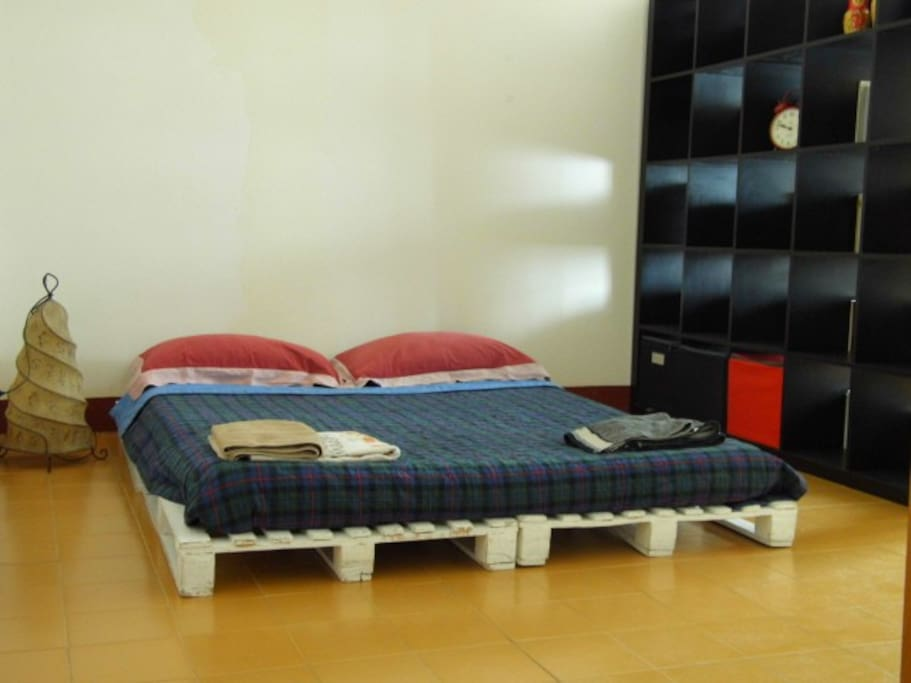 Futon bed for two people