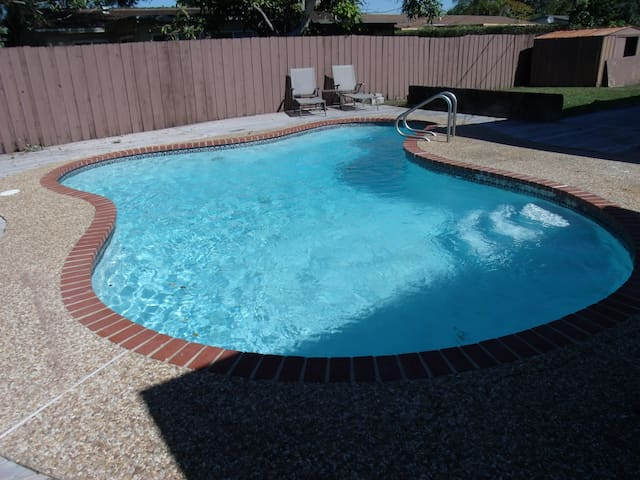 Casa de 3/2  con piscina
