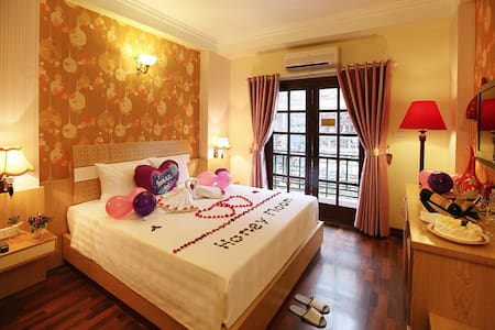 Honeymoon Suite in Old Quarter - Hanoi
