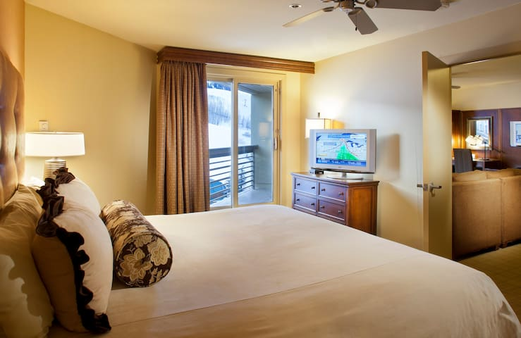 One Bedroom Suite w/ Mountain View - Mount Crested Butte - Condominium