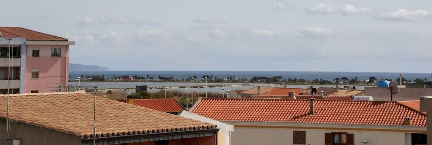 Monolocale con terrazza panoramica (zona mare)