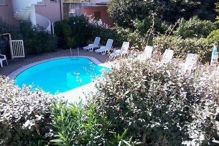 Accogliente bilocale con piscina #3 - Badesi - Apartamento