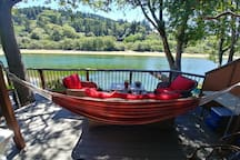 Hammock or Comfy Sofa - your choice!