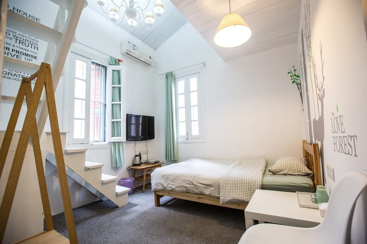 厦门鼓浪屿地理位置优越loft复式超大守候阁楼房