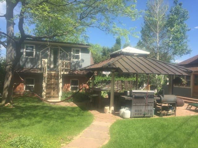 DETACHED CARRIAGE HOUSE  STUDIO ON 1/2 ACRE