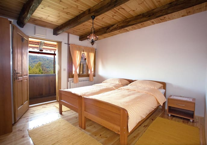 Relax in the nature with pool - Ribnik - Serviced apartment