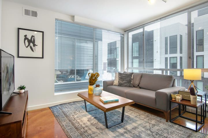 Sunny 1BR in SoMa w/ Gym + Roofdeck close to BART by Blueground