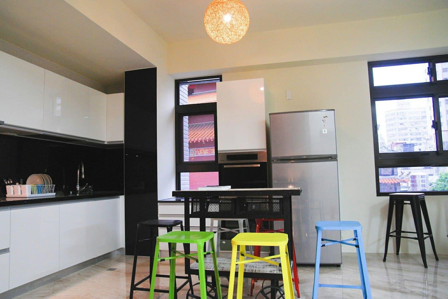 2樓 廚房 可提供簡單洗滌 跟共用冰箱