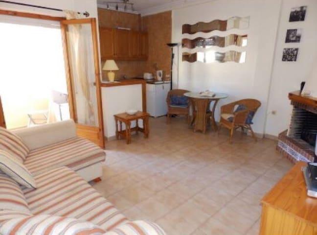 1 bed apartment at Punta Prima beach - Torrevieja - Leilighet