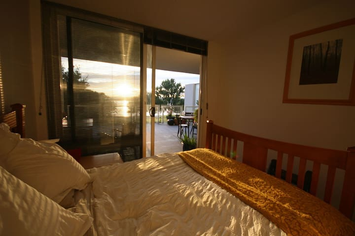 Lake Views modern & comfortable - Barton - Apartament
