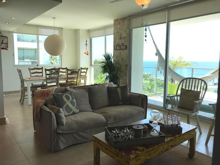 Beachfront fancy condo in Rio Mar