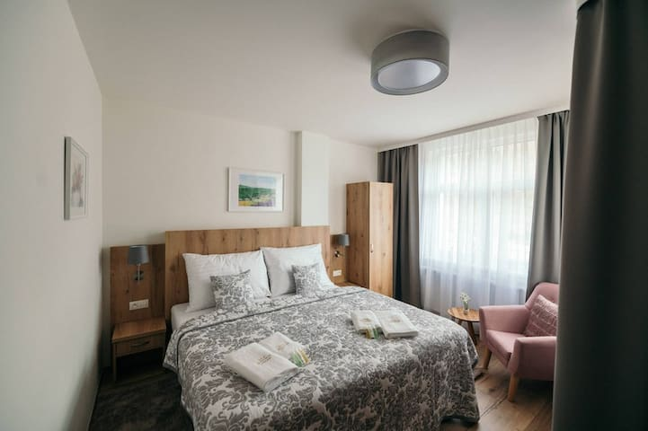 "Cosy & Sunny 5 Bed Apartment ""Macecha"""