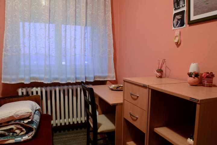 Room in the center - Niš - Appartement