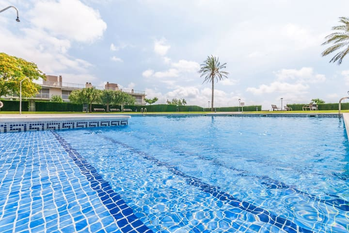 Modern Apartment L'Ampolla with Swimming Pool