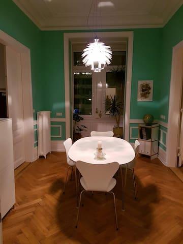 25 sqm elegant studio, Westend,  1 km to fair
