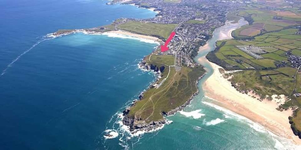 Surf View, seaside house with pool, Fistral beach